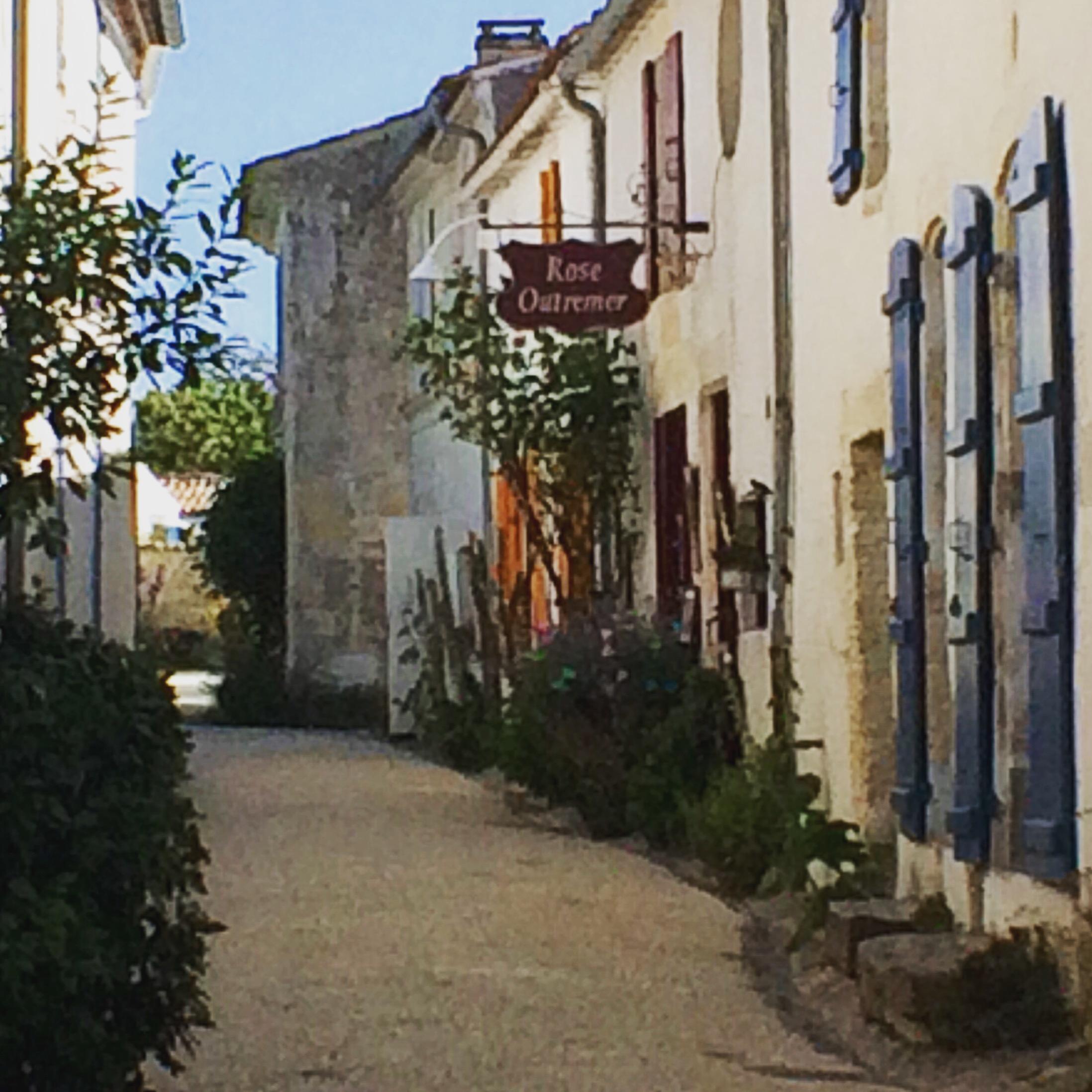 livingincognac-talmont-streets