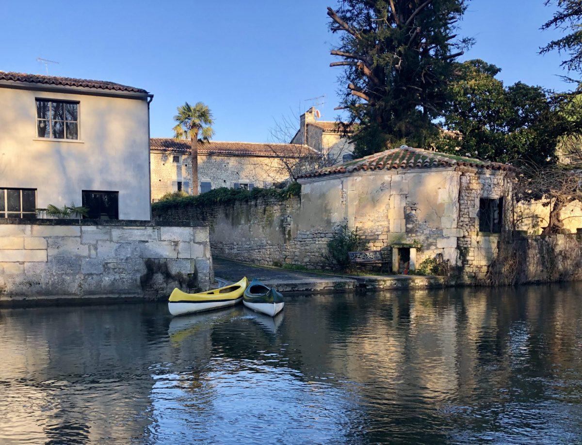 l'abbaye de Bassac et la Charente