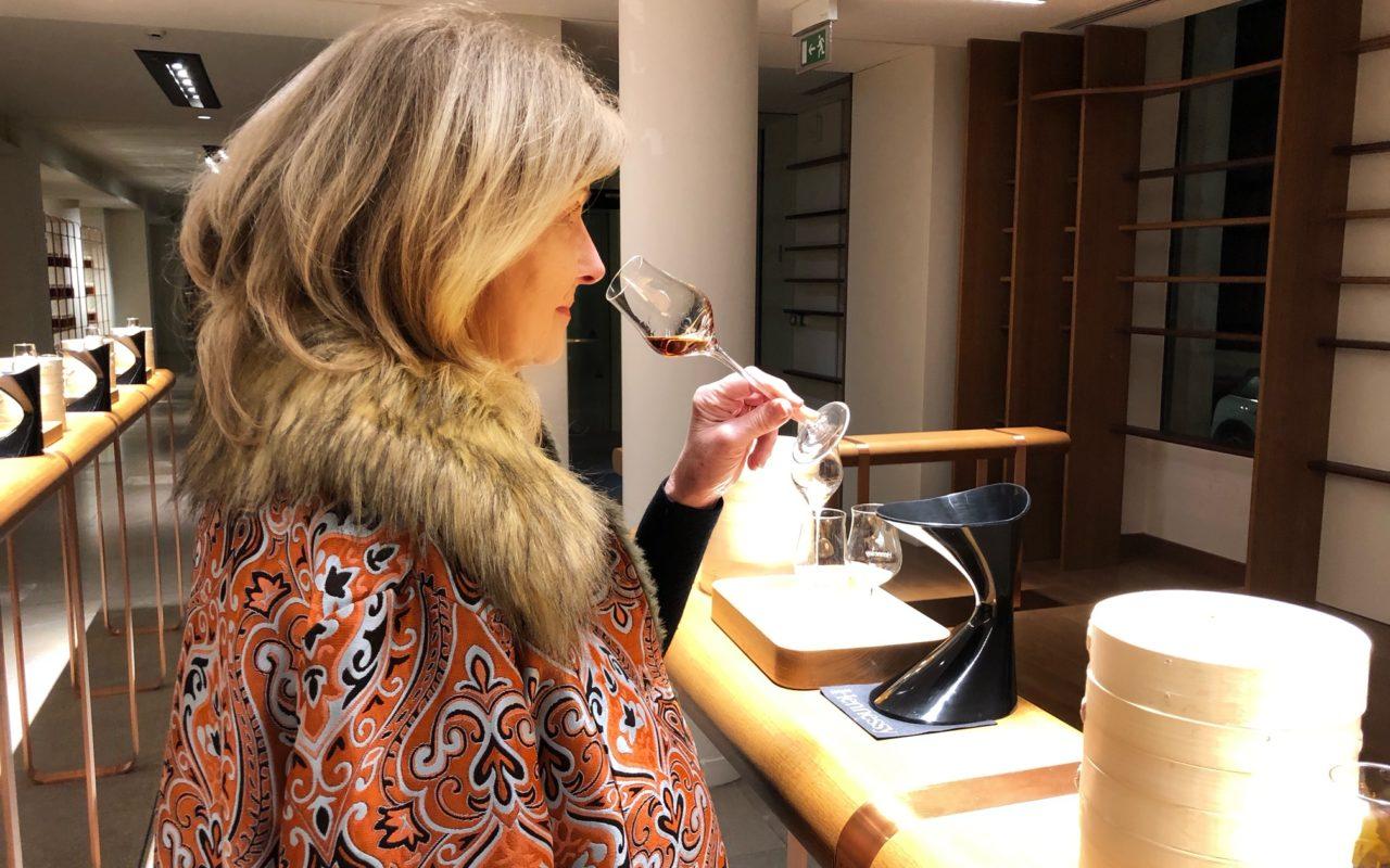 Anne du blog living in cognac lors d'une dégustation