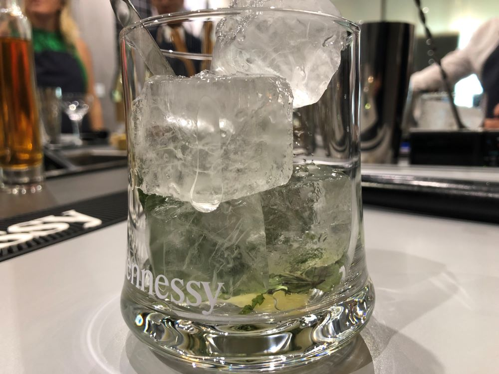 living in cognac a testé l'atelier mixologie Hennessy VS Felipe Pantone