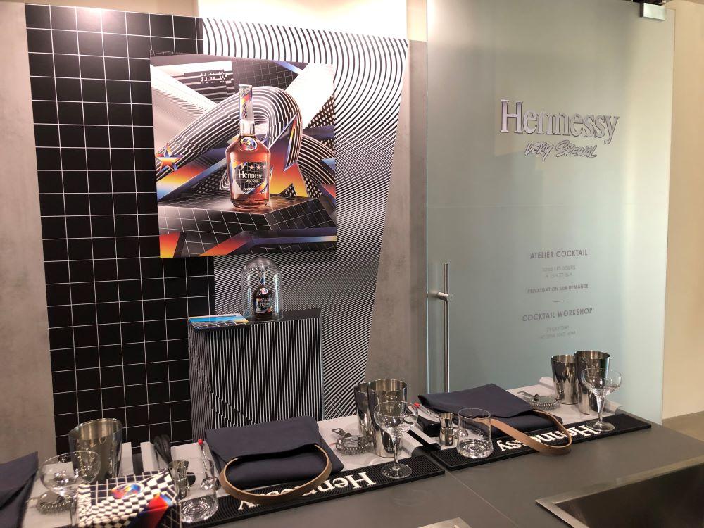 livingi in cognac a participé à l'atelier mixologie Hennessy VS édition limitée Felipe Pantone
