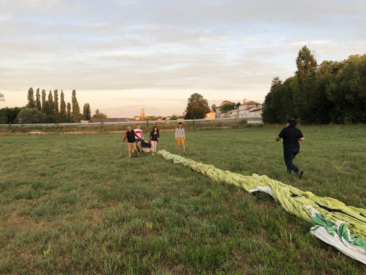 vol en montgolfière au dessus des vignes de cognac