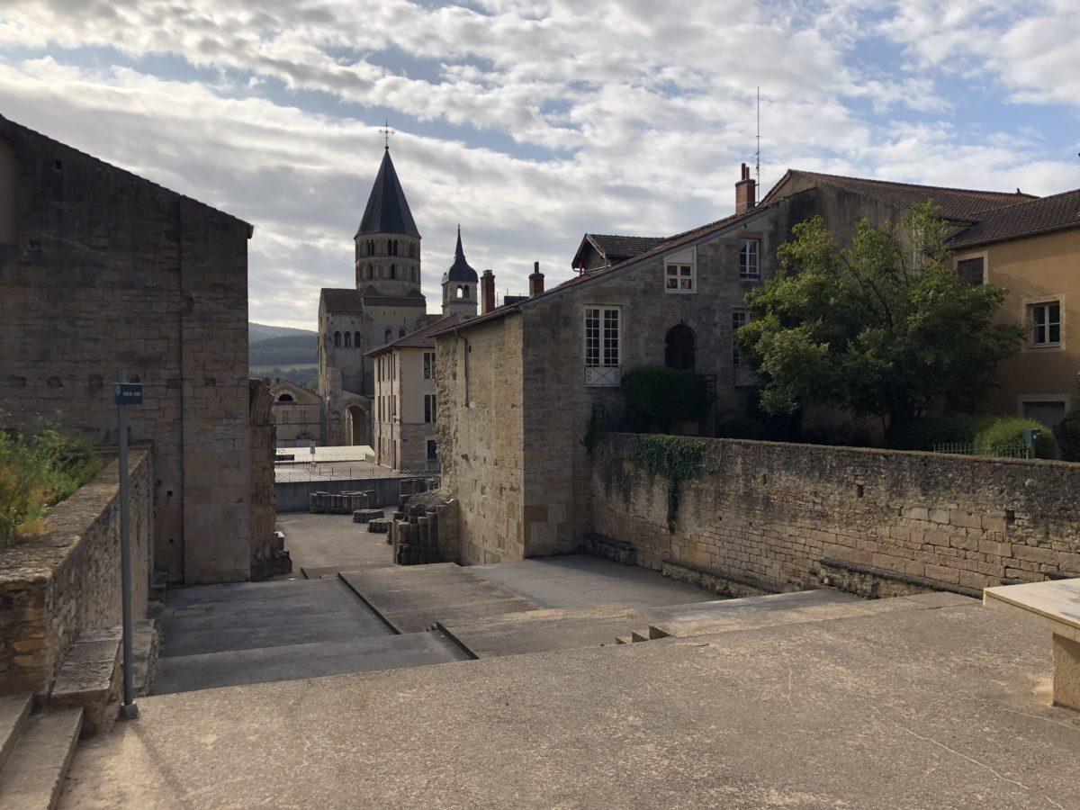 emplacement de l'ancienne esplanade d'entrée de l'église de Cluny