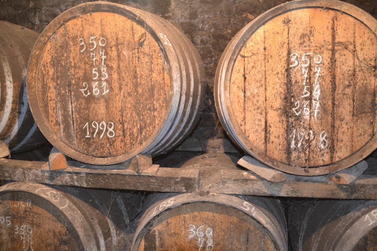 chaque barrique porte la date de mise en fût du pineau François 1er