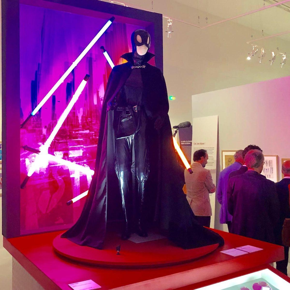 exposition mode et bande dessinée catwoman de mugler