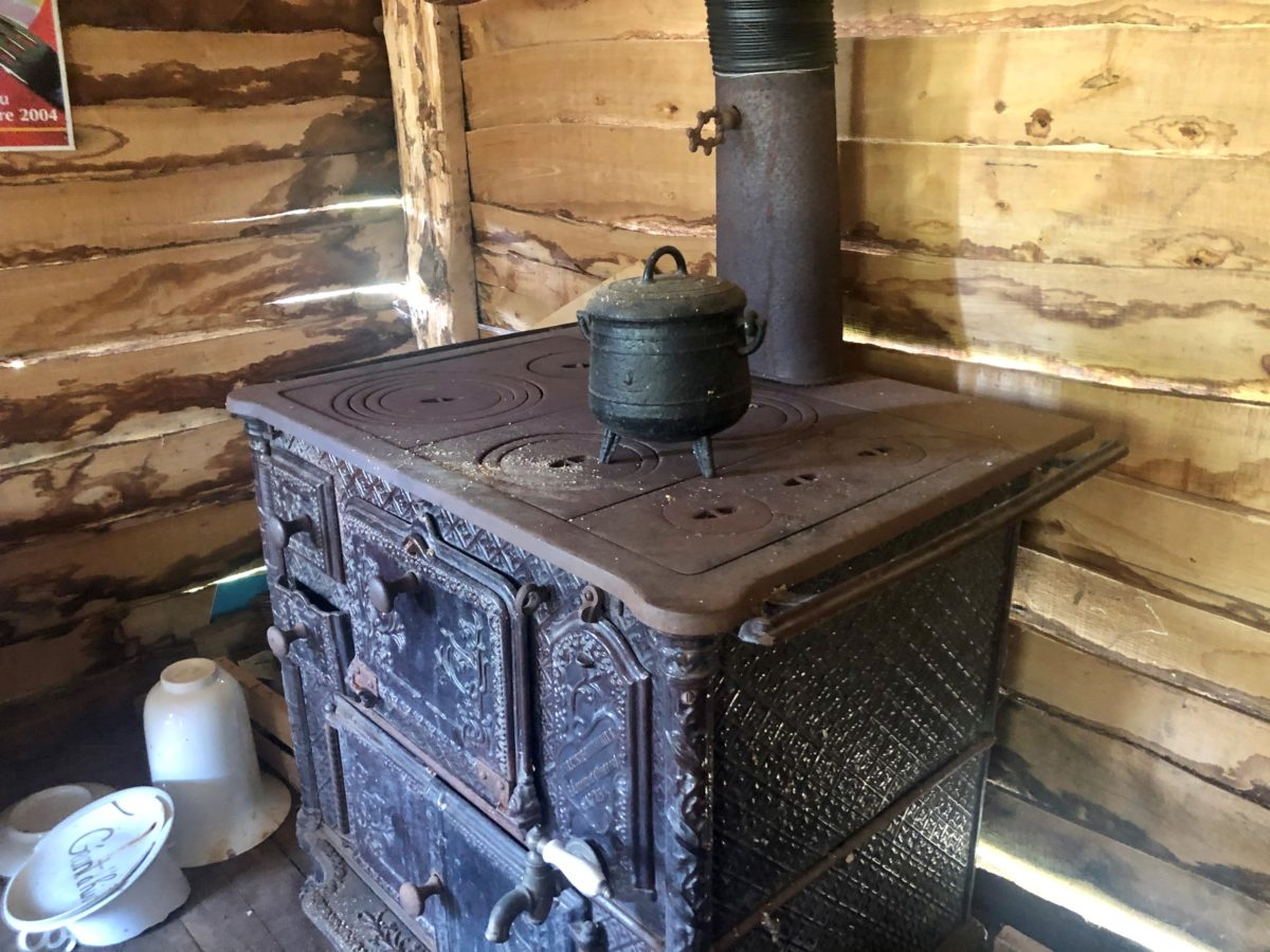 cuisinière de la cabane de Pascal Pressac