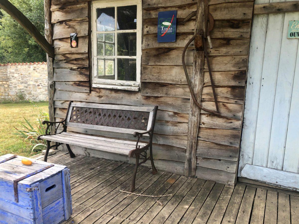 vue de l'extérieur de la cabane de Pascal Pressac