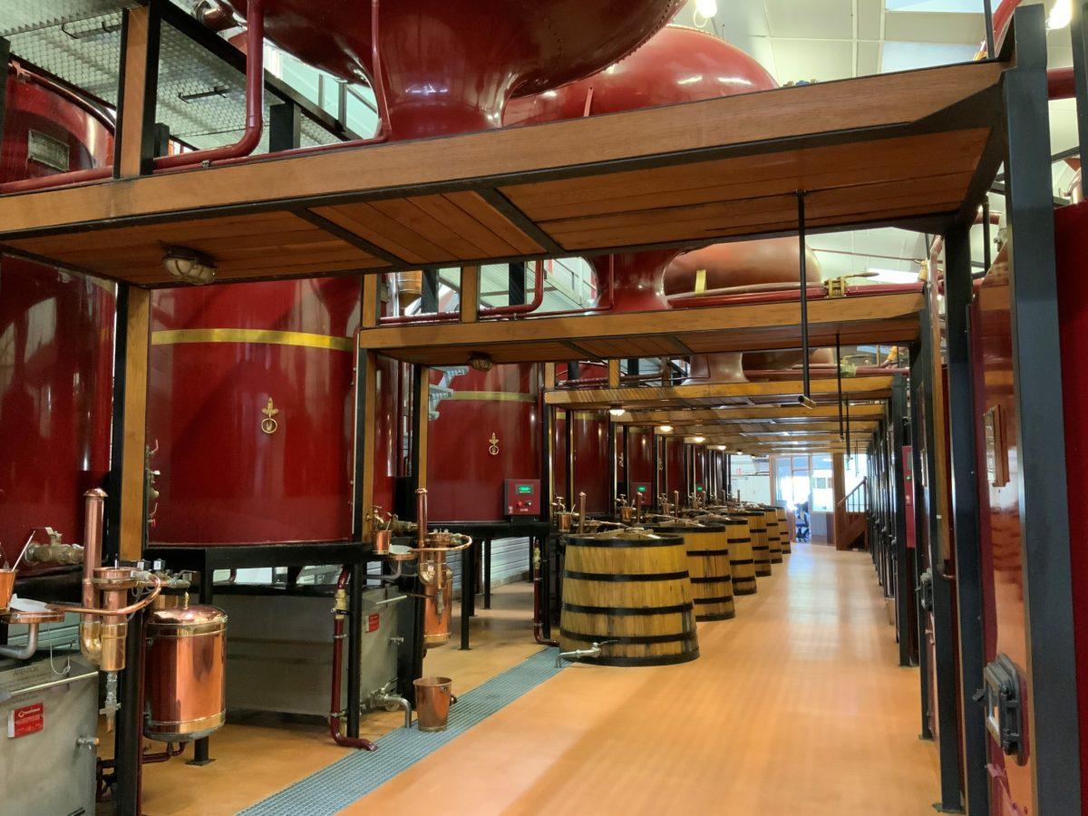 détail de la distillerie de la tour