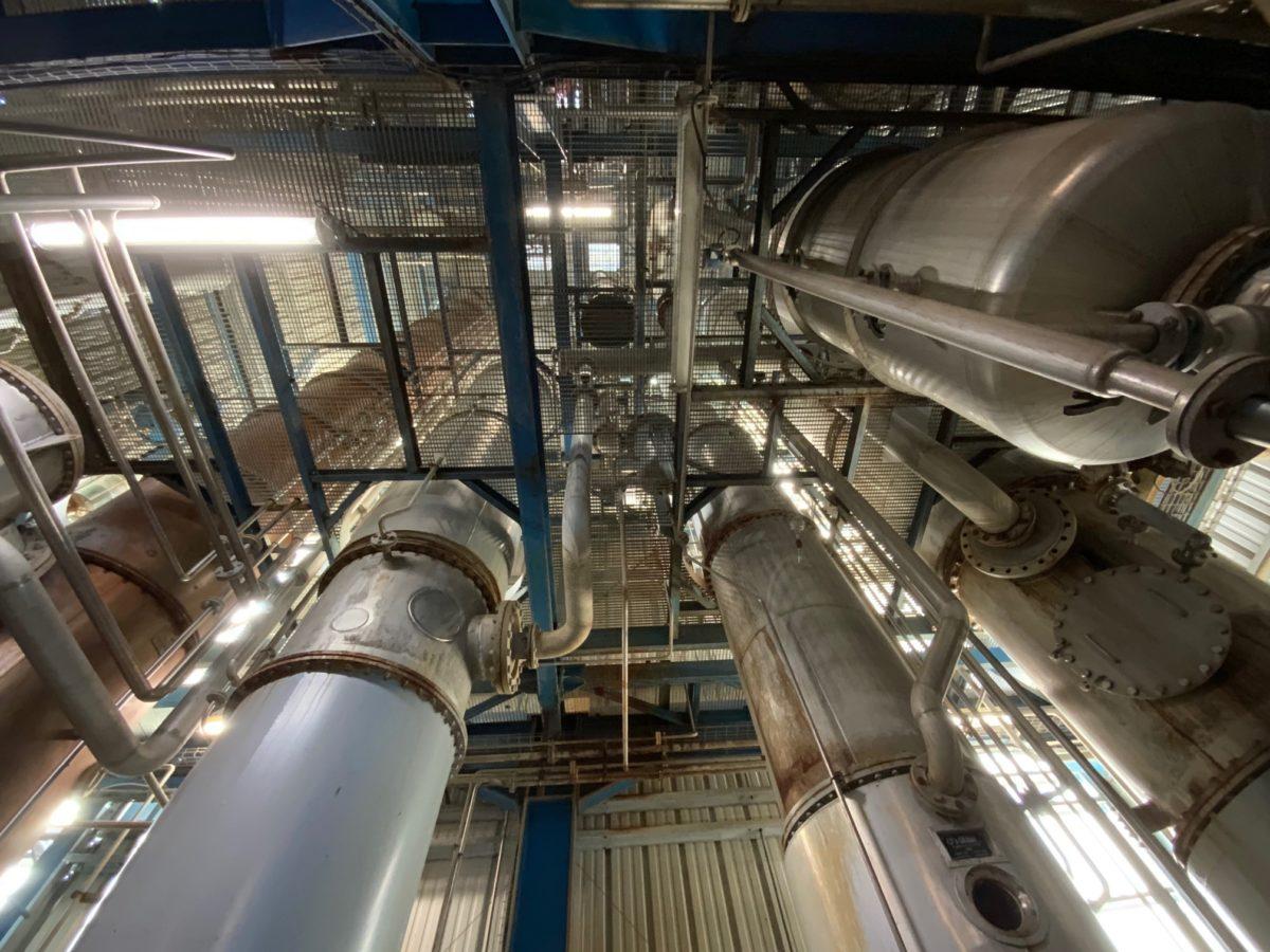 l'intérieur de la distillerie de grain