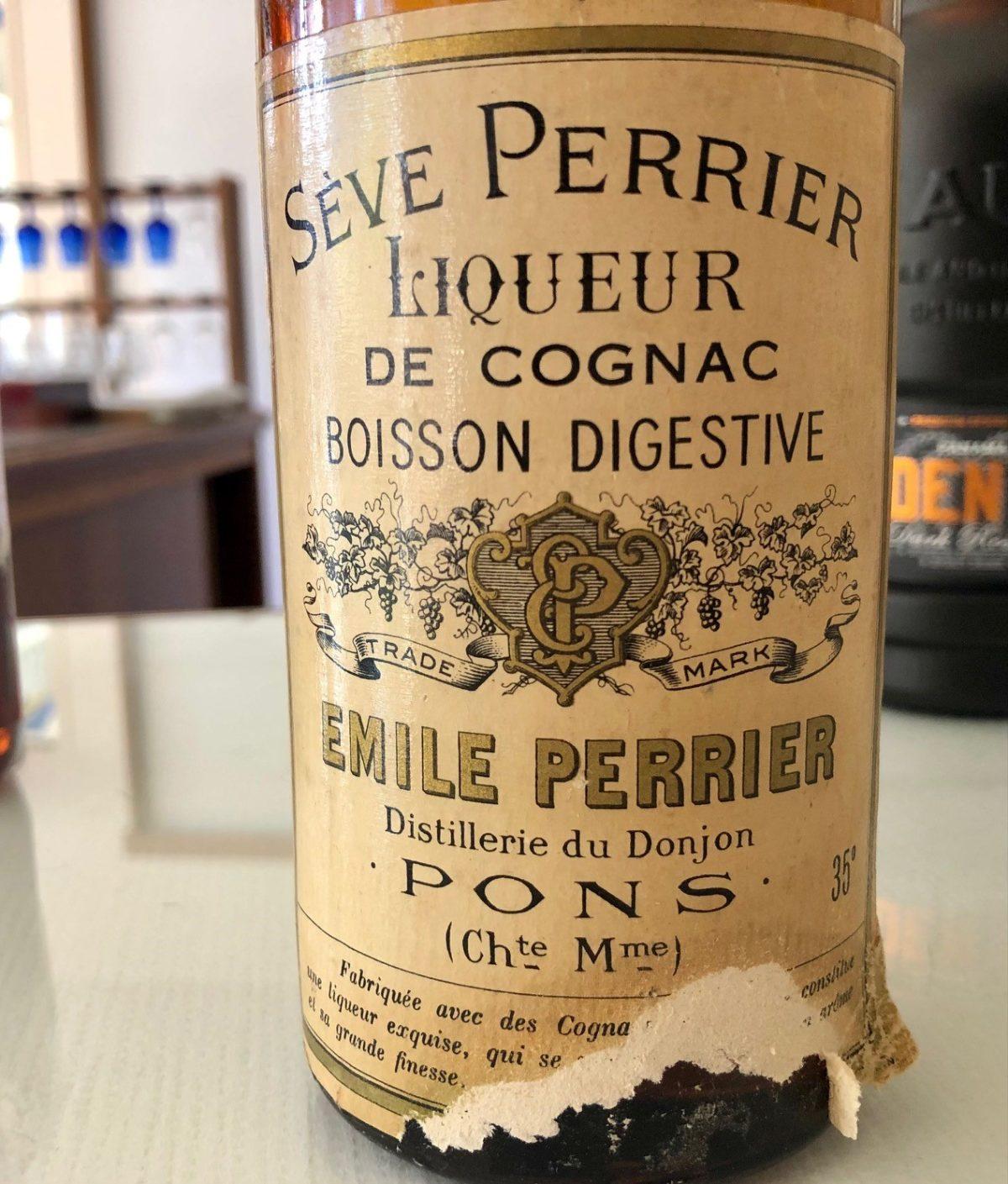 étiquette Emile Perrier