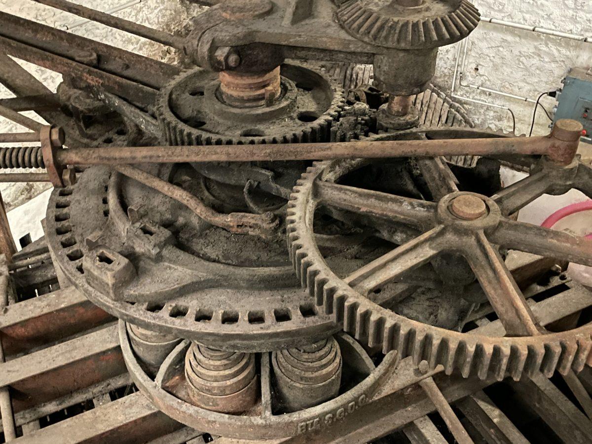 mécanisme d'un vieux pressoir