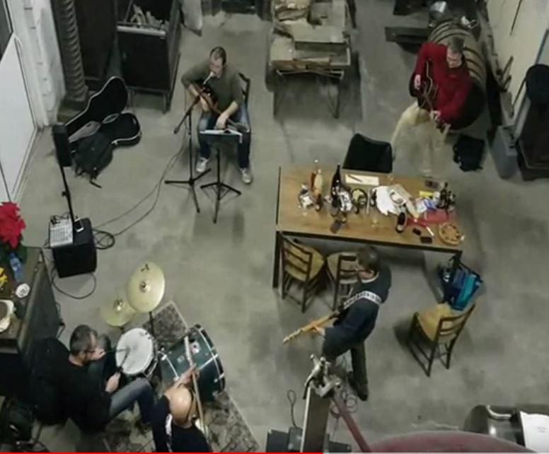 répétition de rock dans la distillerie