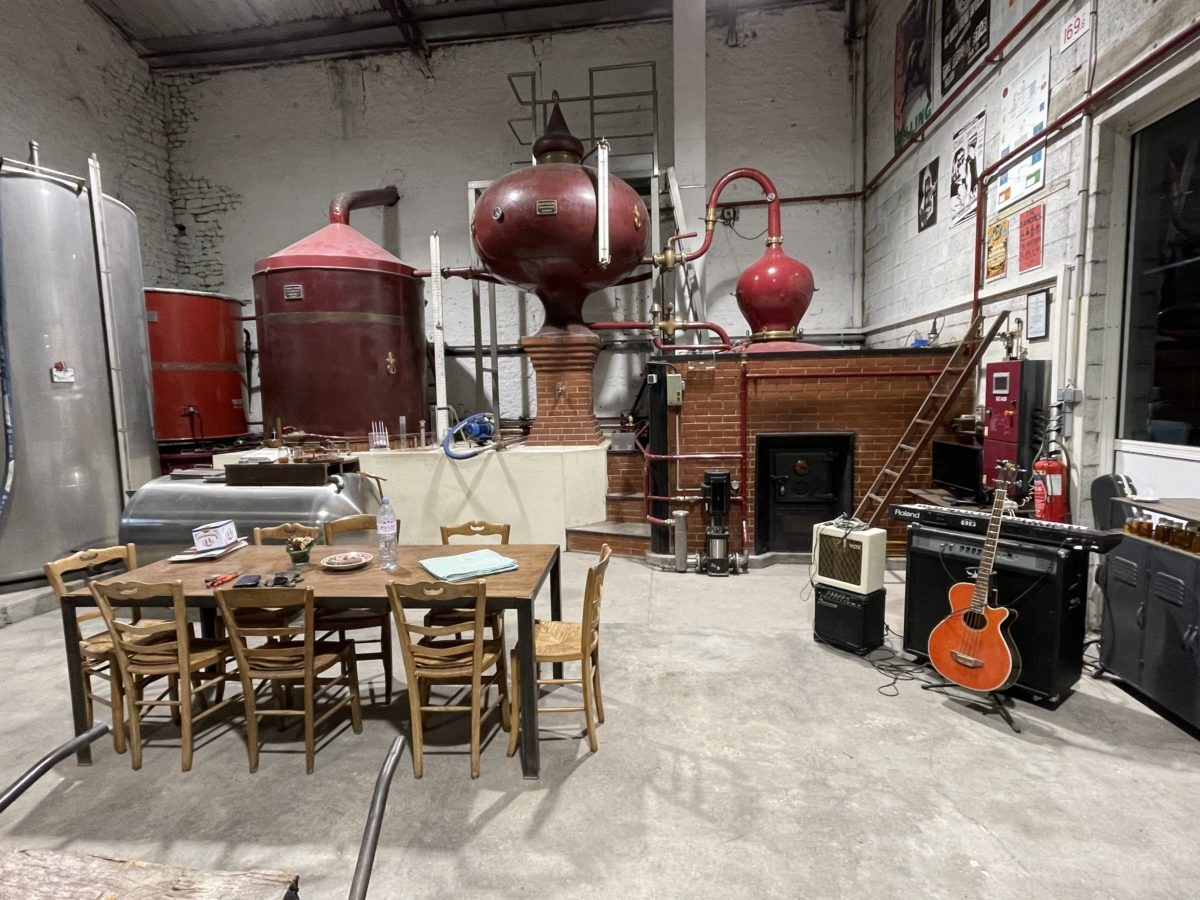 dans la distillerie de Raison Personnelle