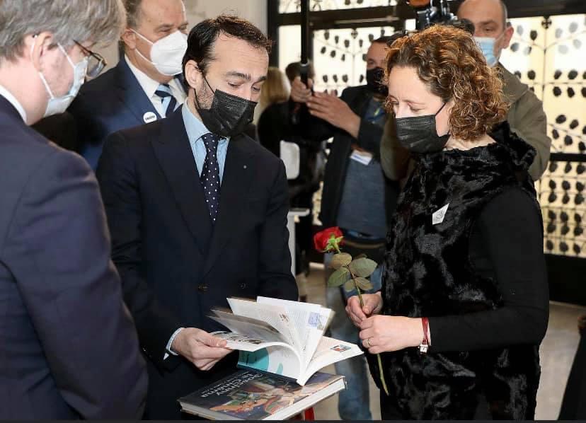 Pierre Lungheretti Directeur Général de la Cité Internationale de la BD Angoulême et la Ministre de la Culture Croate