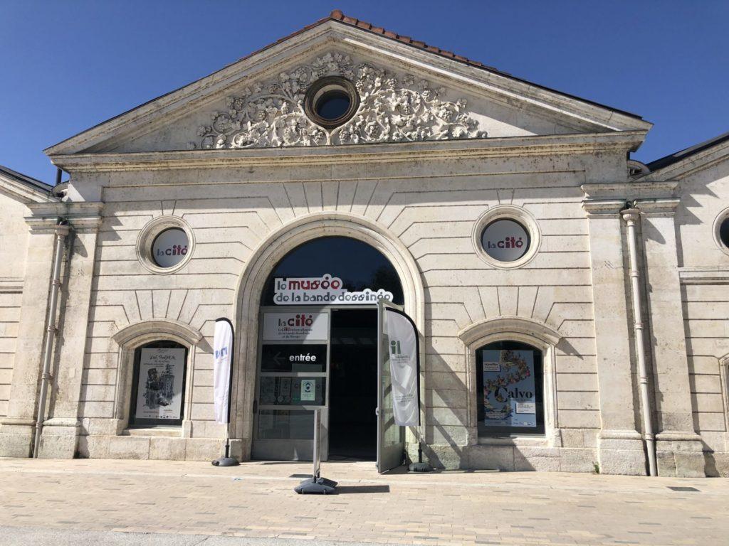 l'entrée du Musée de la bande dessinée à Angoulême
