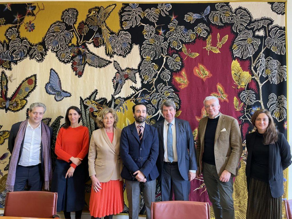 Les administrateurs de la Fondation de la Cité du 9è art, à l'Institut de France